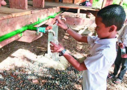 幫柬國蓋濾水塔