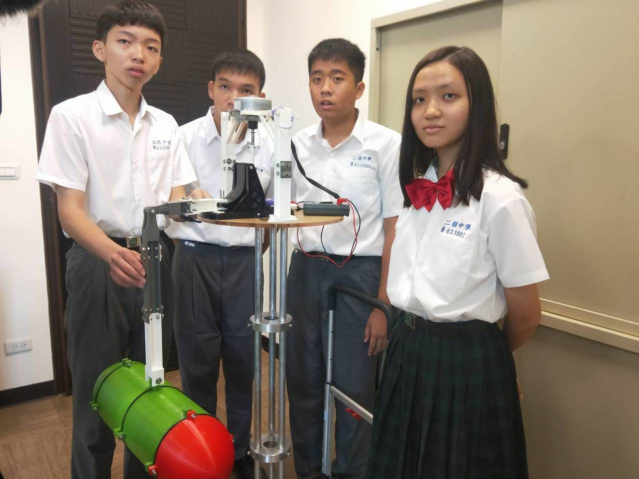幫媽媽拖地好神拖創意 4學生波浪發電機勇奪全國賽第一