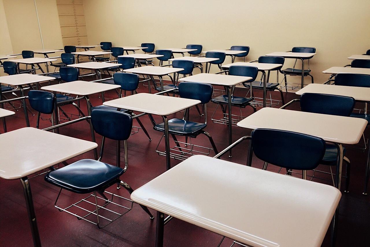 高中以下延至25日開學 家長可請防疫照顧假