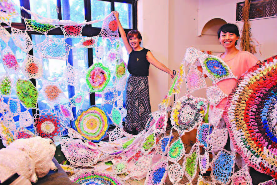 塑膠袋編出美麗
