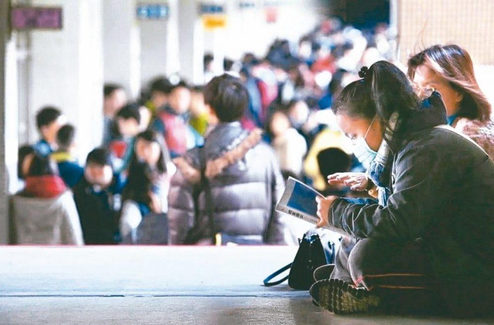 升大學考題愈來愈長 教師籲考試時間延長10分鐘