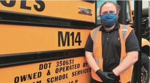 學生激勵校車司機 補修學位成老師
